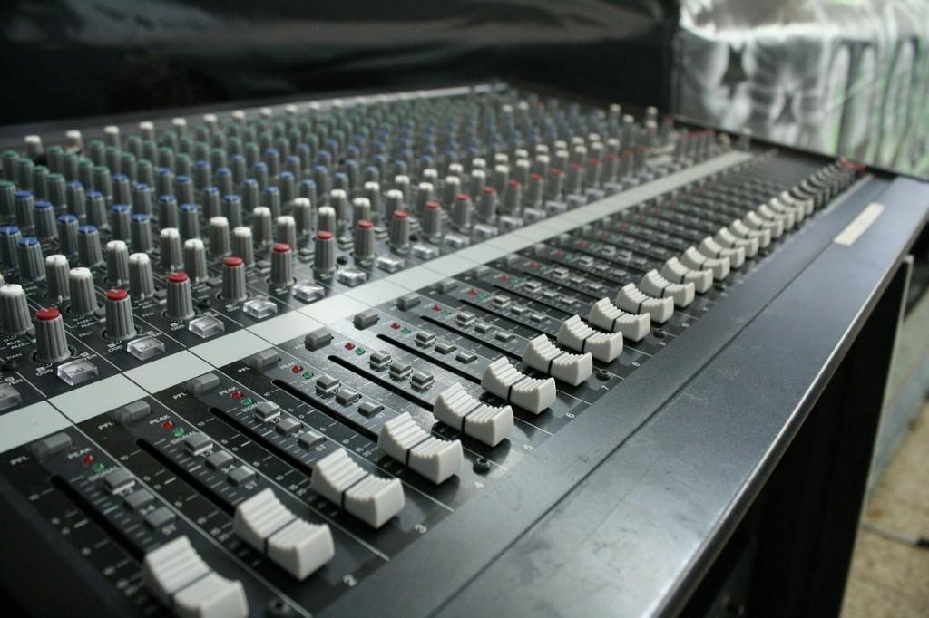 sound-553582_1280