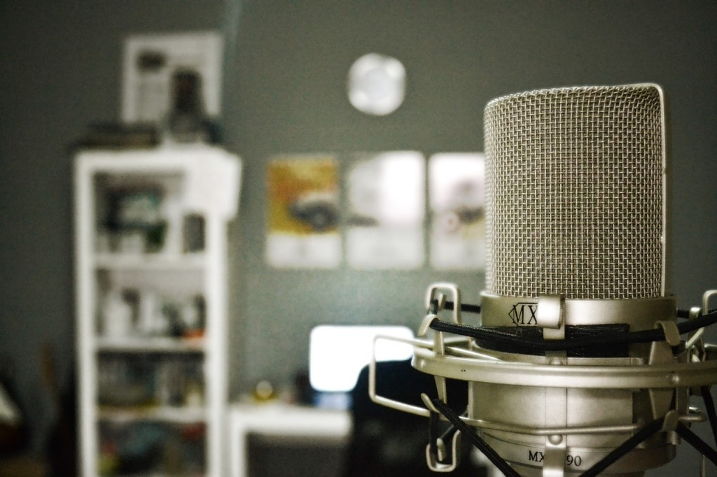 microphone-759587_1280