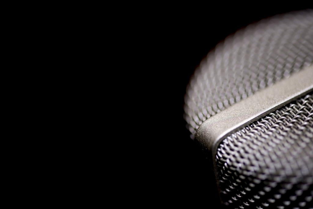 microphone-1102739_1280